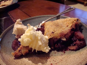Apple Blackberry (and Quince) Pie